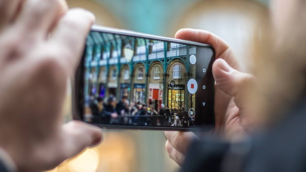 Shooting b-roll with a smartphone